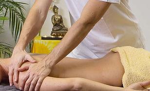 9._Massagens_e_Tratamentos_Terapêuticos_Exclusivos.JPG