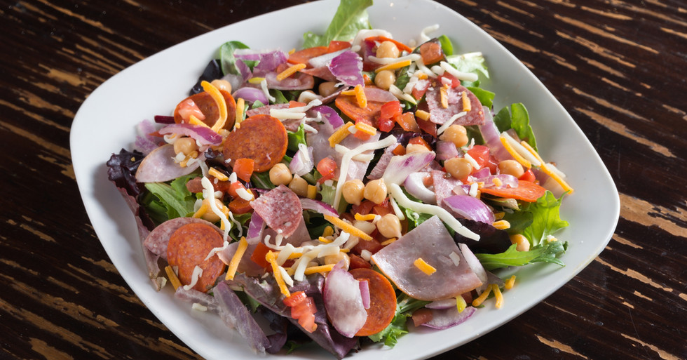 Sammy'sPizza_ChoppedSalad_2880x2304.jpg