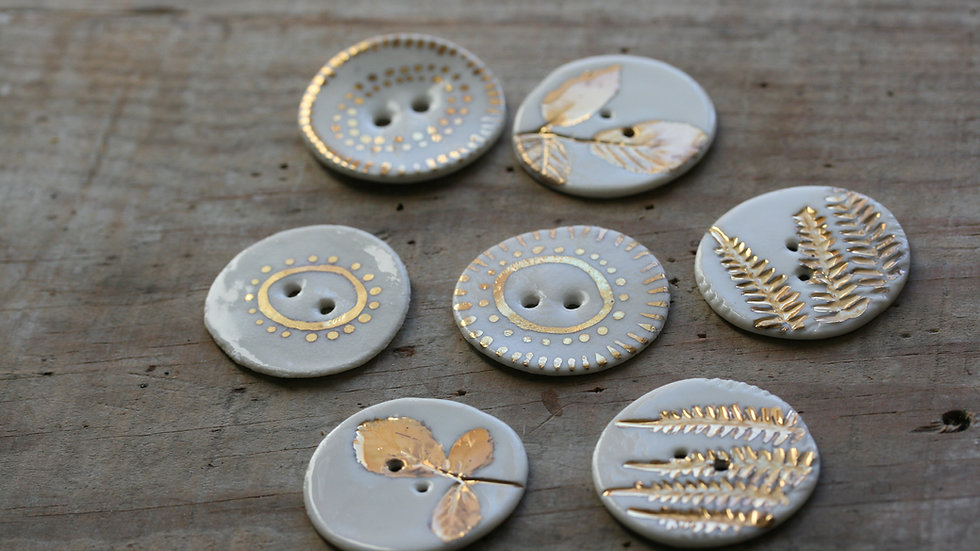 Lot de 3 boutons HERBIER  OR en porcelaine