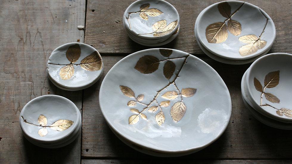 Petite assiette, coupelle et mini coupelle porcelaine herbier or
