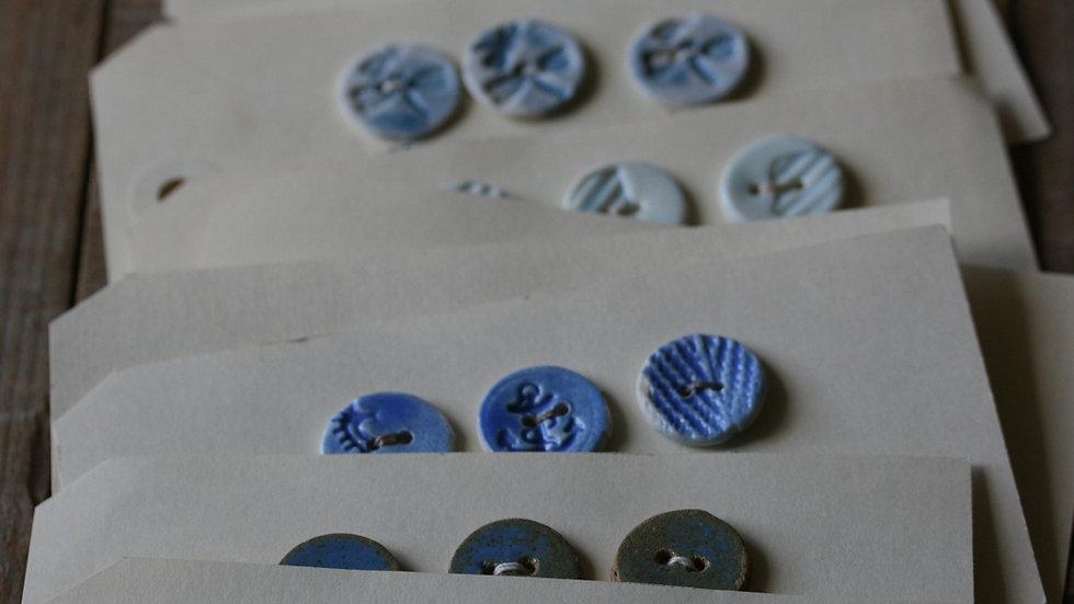 Plaquette de 6 minis boutons en porcelaine COLORIS BLEU