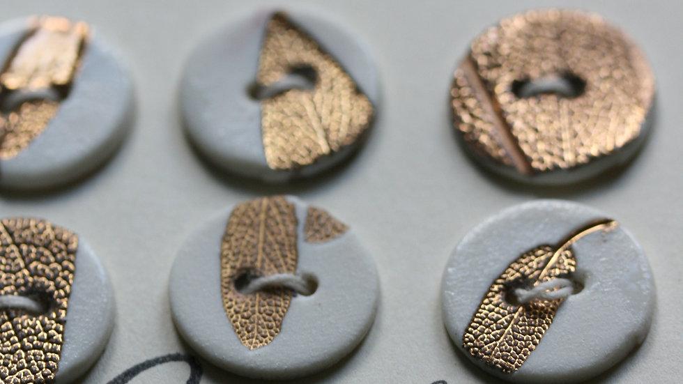 Plaquette de 6 minis boutons en porcelaine  HERBIER OR ET OR