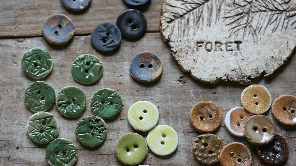 Lot de 8  boutons en porcelaine