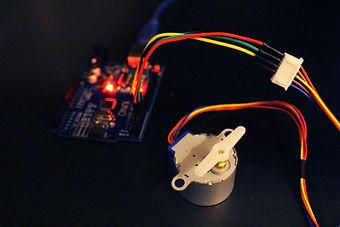 Tutoriel moteur description bibliotheque 2 kit électronique débutant à monter Arduino tutoriel apprendre kit électronique explication meilleur composant