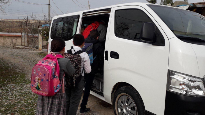 Un minibus pour retourner à l'école