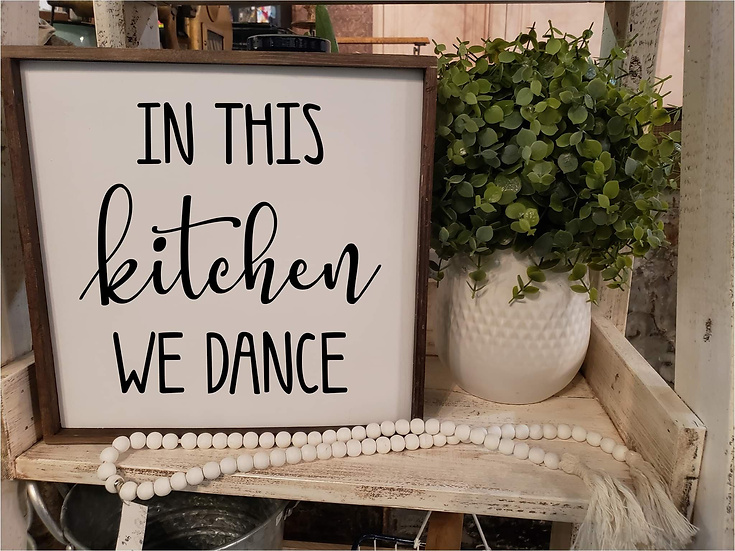 In This Kitchen We Dance (Kit 32)