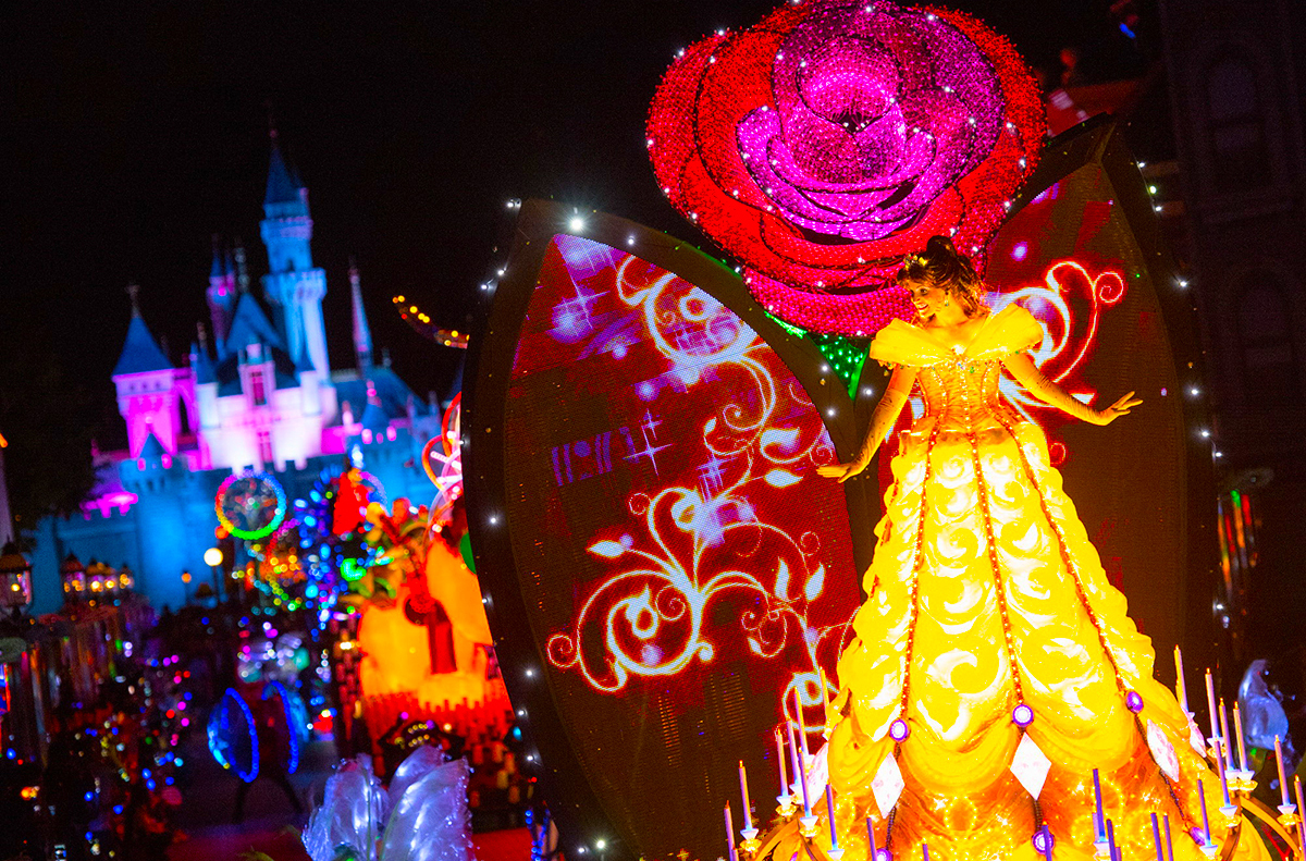 Disney-Paint-the-Night-Parade-Float_5_Belle-Candlelight-Unit2