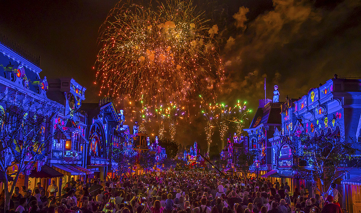 Together-Forever-–-A-Pixar-Nighttime-Spectacular4_2018_DL.1867C