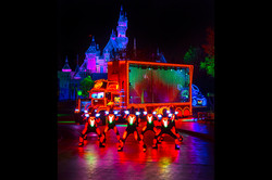 paint-the-night-electrical-parade-disneyland