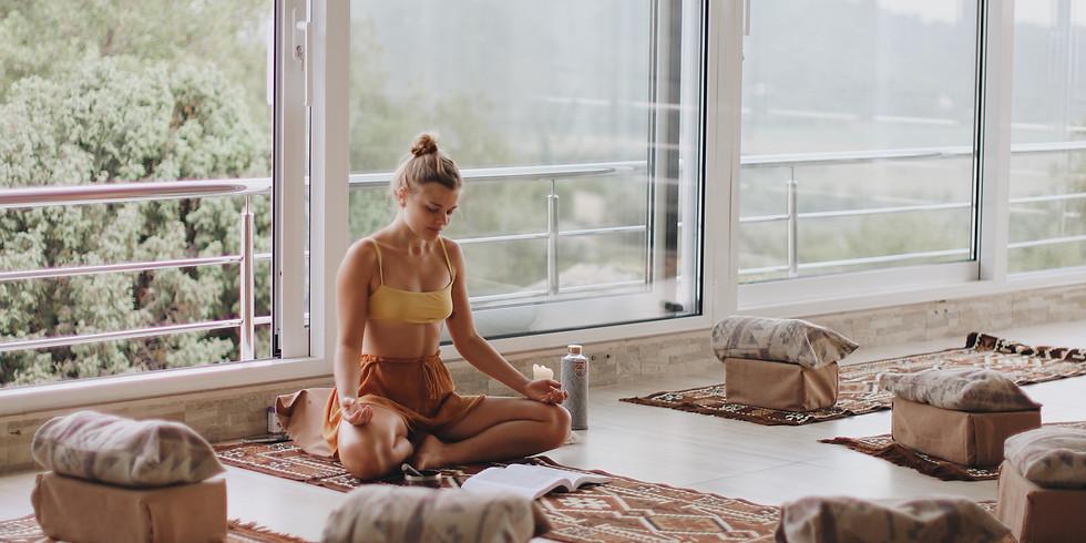 Entspannungs-Yoga & Pranayama (Deutsch / Fokus: Herz- & Hüftöffner)
