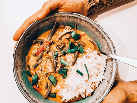 Veganes Rotes Thai Curry à la Dude | Gesund, wärmend & ein wahrer Immunsystembooster