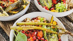 Vegane Buddha Bowl mit Tahini Dressing   Proteinreich, Gesund & Yummy