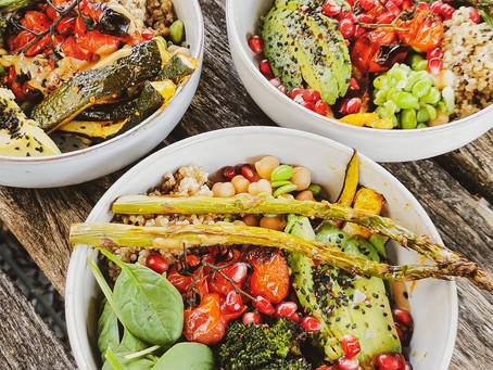 Vegane Buddha Bowl mit Tahini Dressing | Proteinreich, Gesund & Yummy