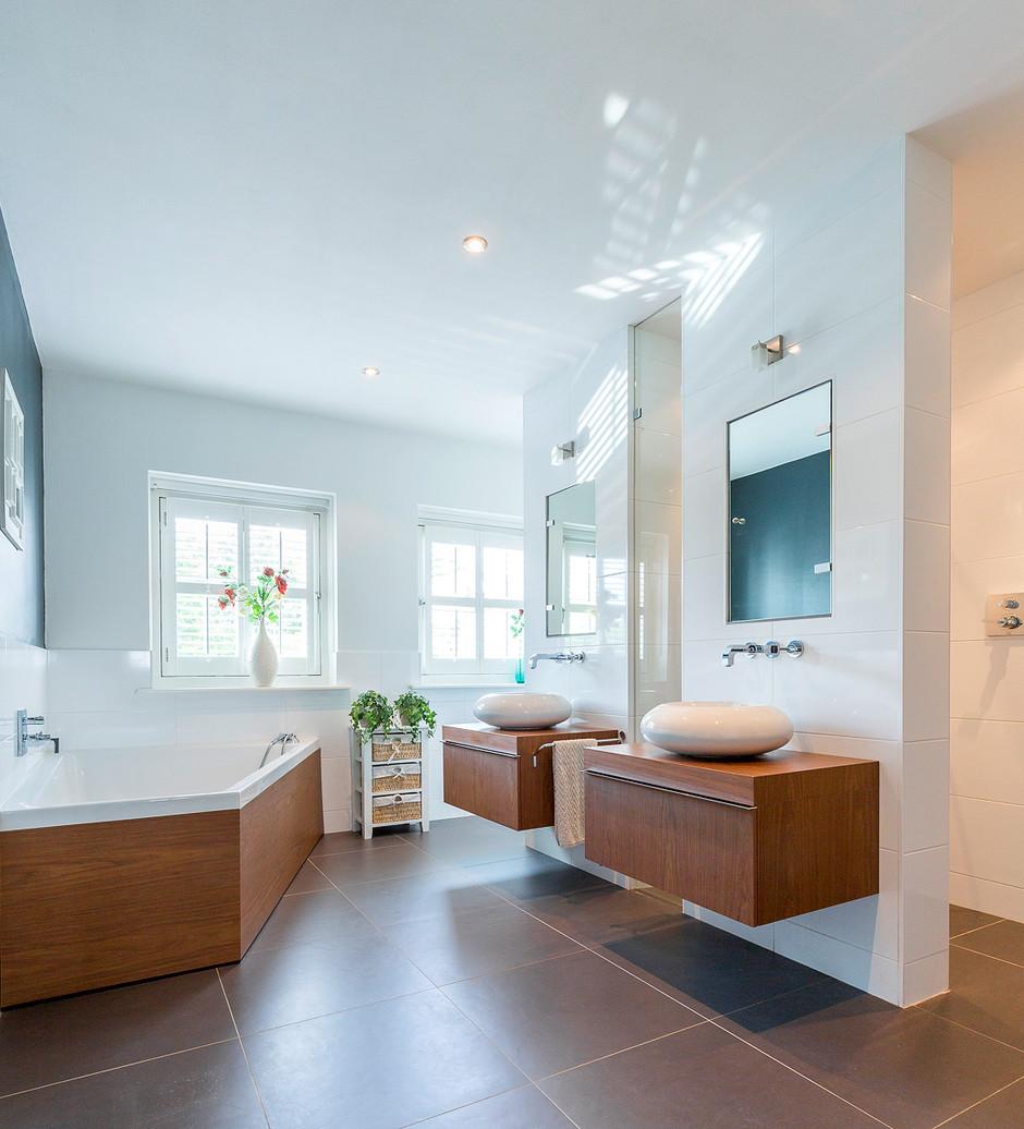 realestatephotography bathroom.jpg