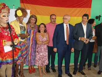Garantia de direitos ao público LGBT