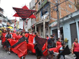 Cortejo Vidas Preciosas ganha as ruas de Heliópolis
