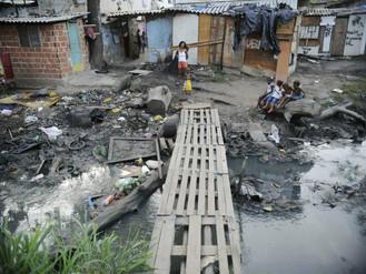 Seis brasileiros acumulam a mesma riqueza que 50% da população mais pobre do país