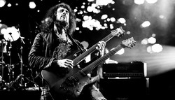 2Slideshow Ron 'Bumblefoot' Thal at THE Festival