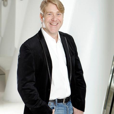 Baritone, Daniel Belcher
