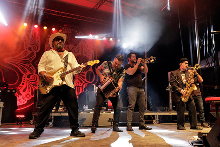 The Mavericks, Roots N Blues N BBQ