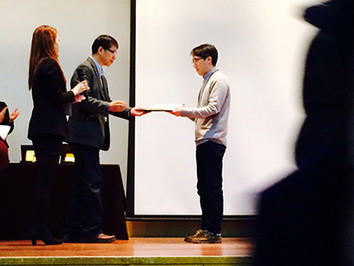 Congratulations to Yongjin for winning the excellent poster prize at the genomics conference!