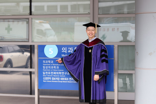 Congrats to Sangmoon's graduation!