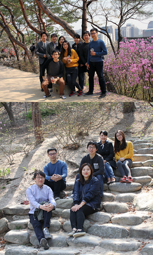 Enjoying a warm spring afternoon at Chang-gyeong Gung!