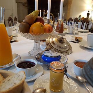 Manoir de Kergrech petit déjeuner