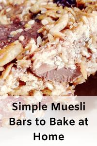 Simple Muesli Bars to Bake at Home (Skip the Plastic)