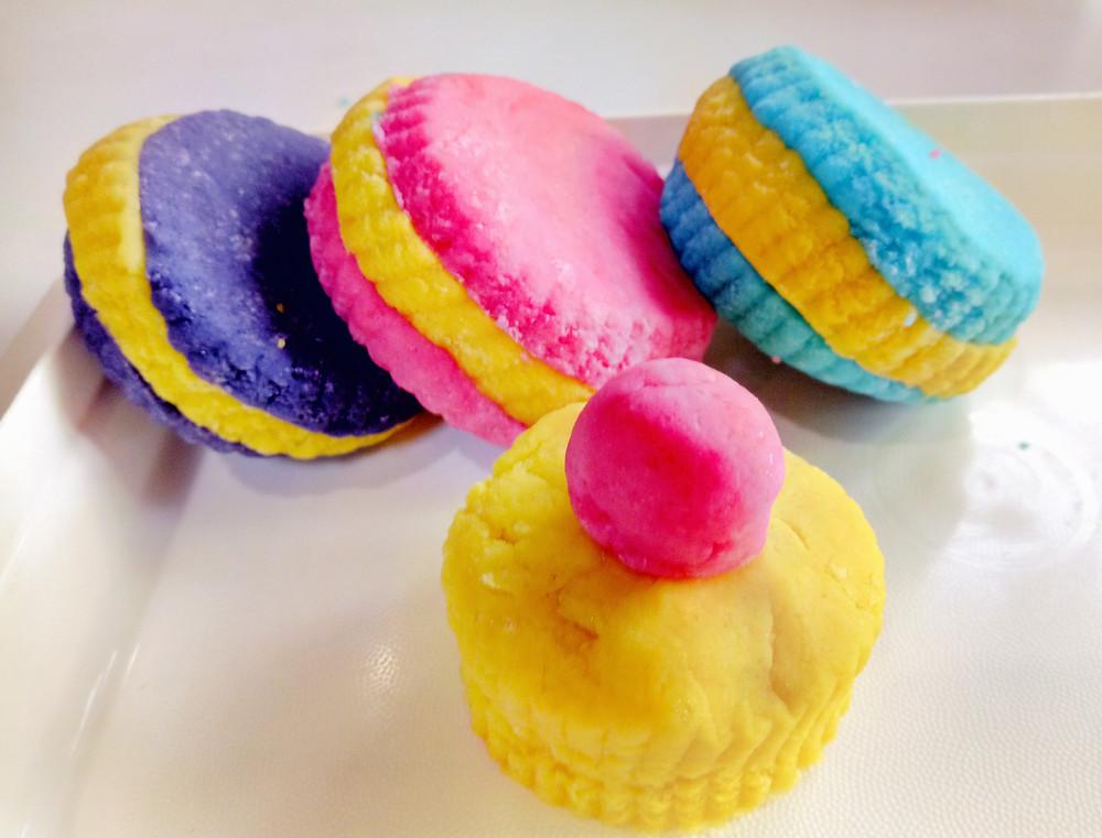 Playdough macaroons and cupcakes