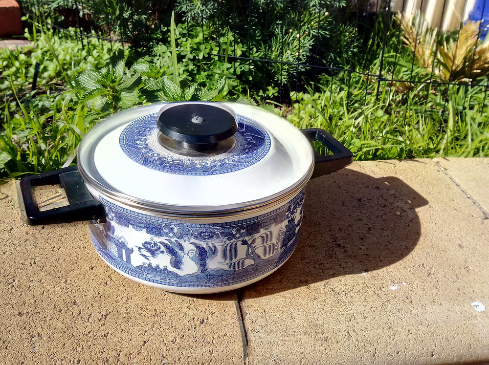 Brewing compost tea in a cooking pot