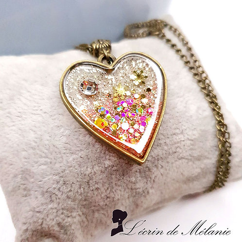 Collier - Coeur de resine rose et or