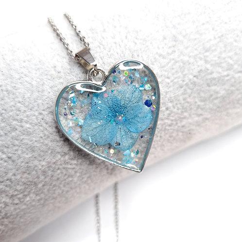 Collier Coeur de resine - Fleur Bleue