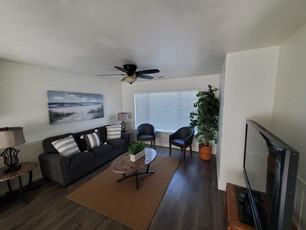 House Living Room 2021.jpg