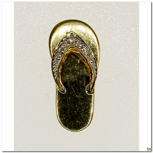 Gold Diamond Pendant