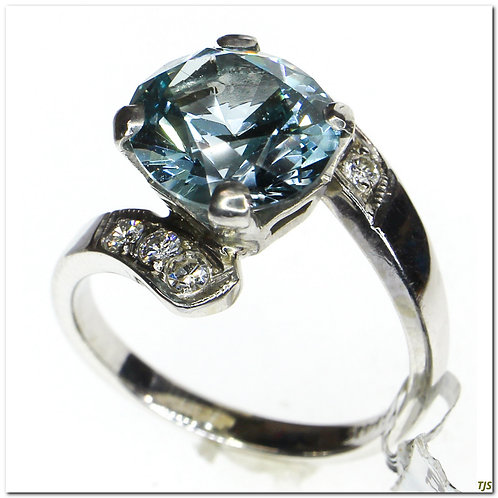 Gold Blue Spinel & Diamond Ring