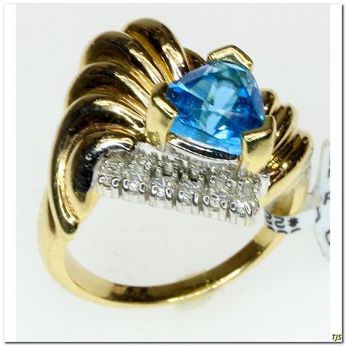 Gold Diamond & Blue Topaze Ring