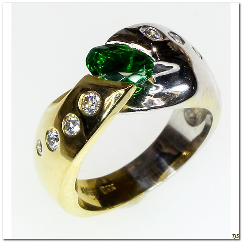 Gold Diamond & Tsavorite Ring