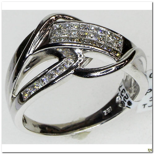 Gold Dimaond Ring