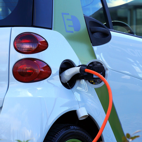 Carga tu coche eléctrico GRATIS con nuestras soluciones de generación de electricidad solar fotovolt