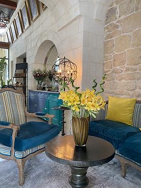 Lulu Boutique Hotel_Lobby sofa.JPG