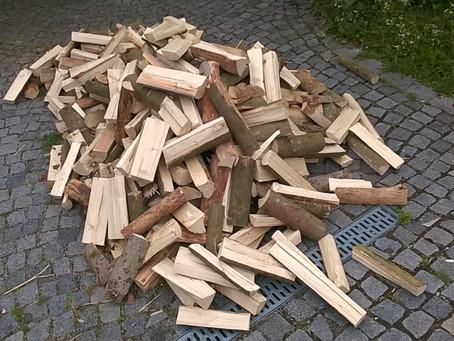 Holz vor der Türe