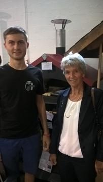 Hanne und Jonathan vor unserem Ofen