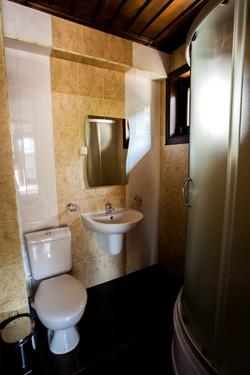 Баня в спалня на 2-ри етаж