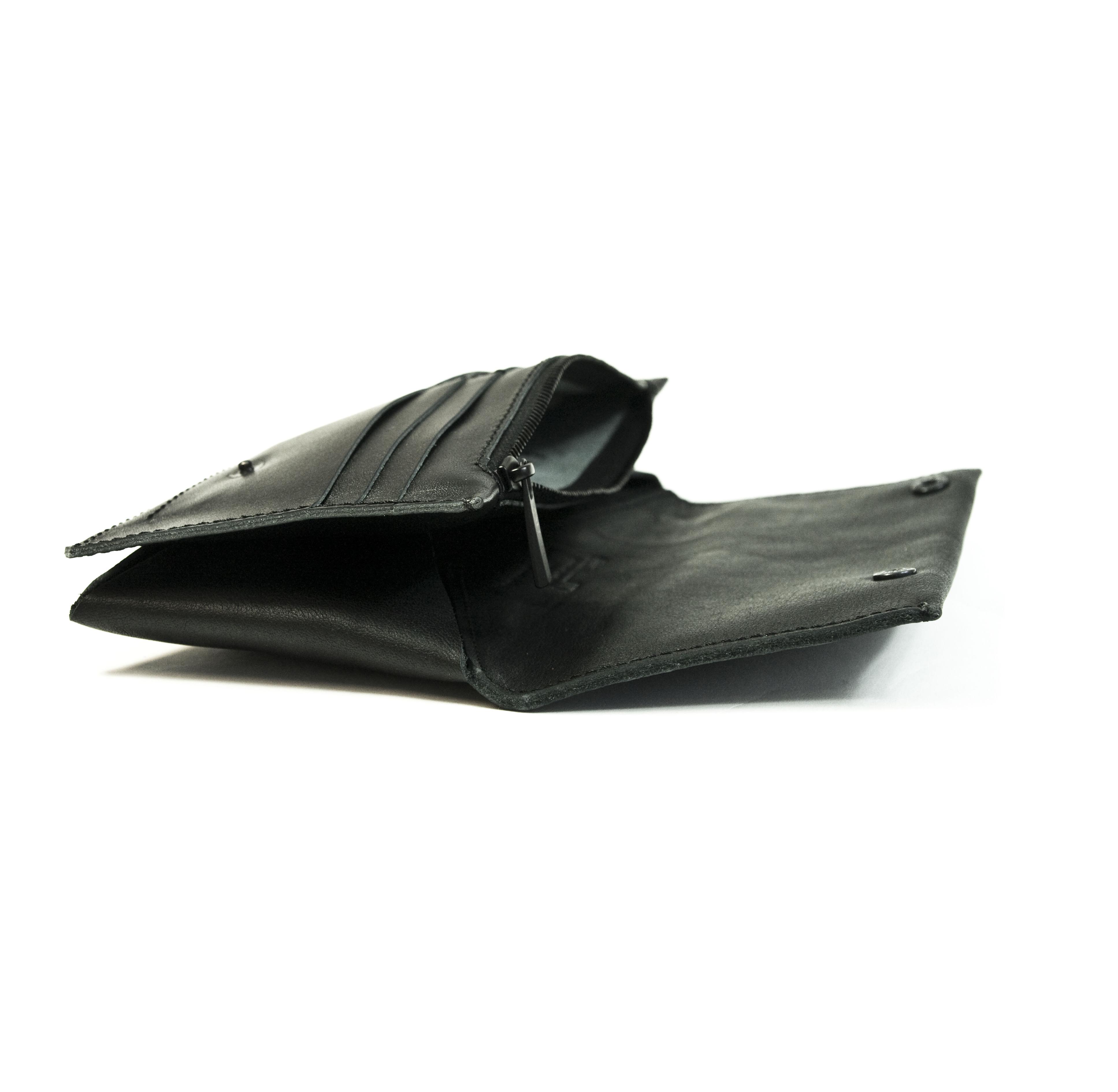 Taimpargitud täisnahast rahakott mobiilitaskuga