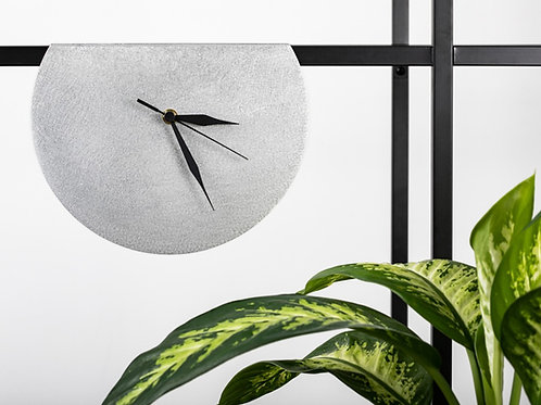 Modern unusual circle clock