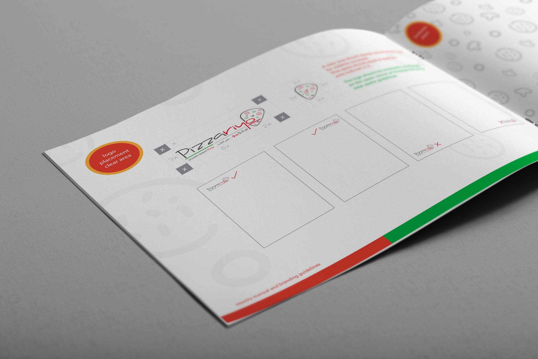 05_horizontal_brochure_mockup