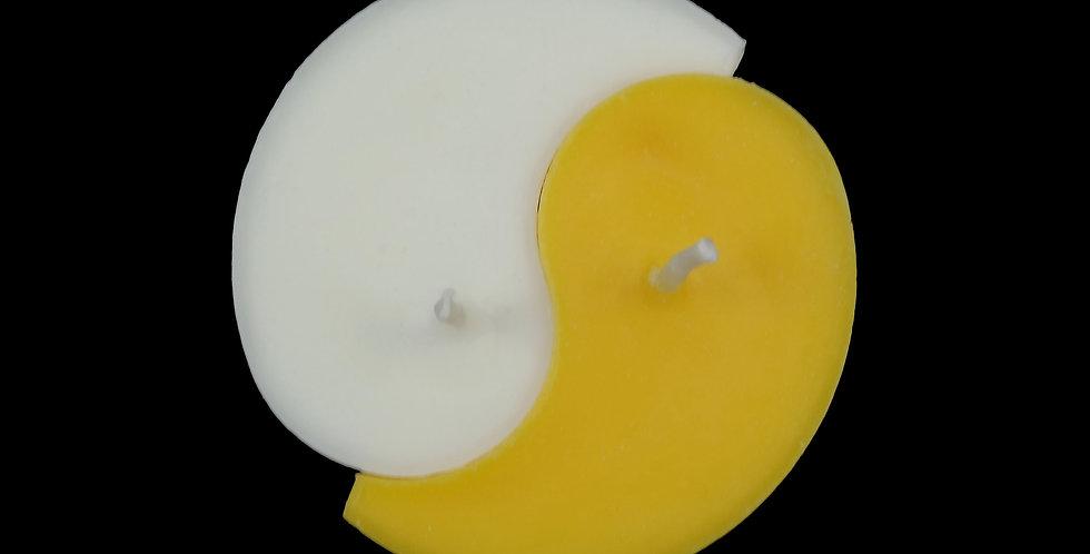 Ri-Ri-Ku: Yin Yang Candle in Mango/White