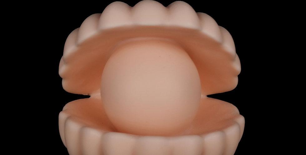Ri-Ri-Ku: Oyster Candle in Peach