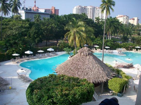holiday-inn-ixtapa-hotel